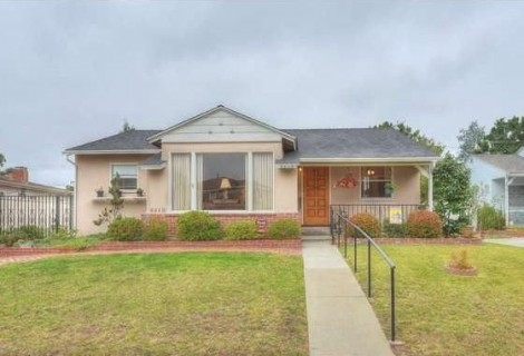 $1,860,000 BRIDGE LOAN TO ACQUIRE AND RENOVATE A SINGLE FAMILY RESIDENCE<br>LOS ANGELES, CA